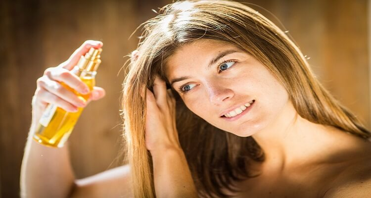 Advantages of Oiling Hair